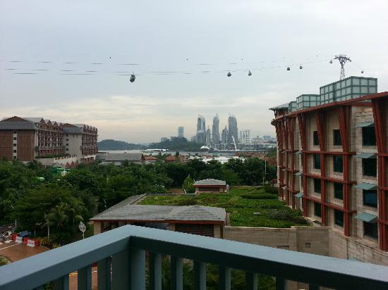 Resorts World Sentosa - Festive Hotel: View outside the balcony 