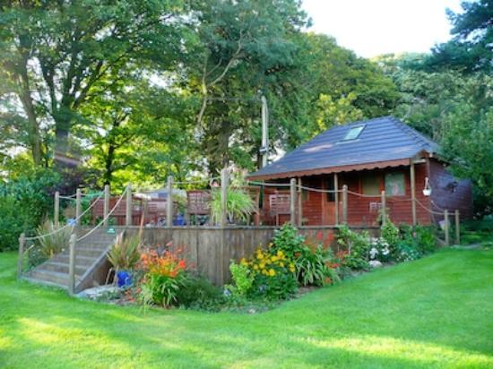 Creacon Lodge Wellness Centre : Healing Treatment House