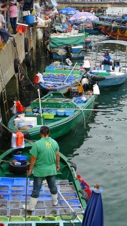 Sai Kung boat venders