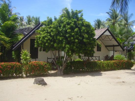 Secret Garden Beach Resort: Garden Room