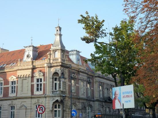 Hotel Wentzl : A street leading to St. Florian Church