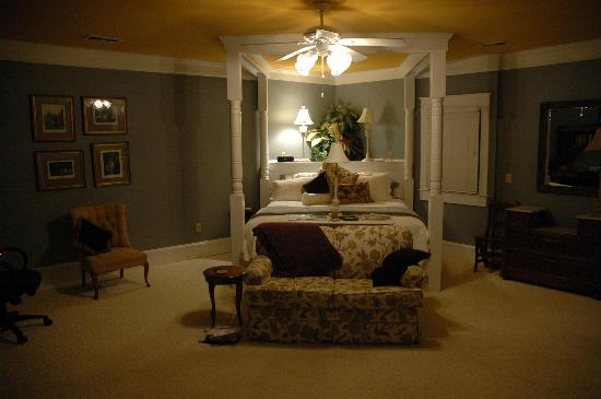Spahn House: Suite Bed