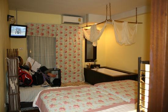 Phra Nang Inn: room 2142