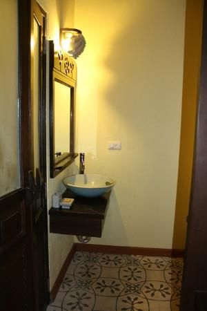 Phra Nang Inn : room 2142