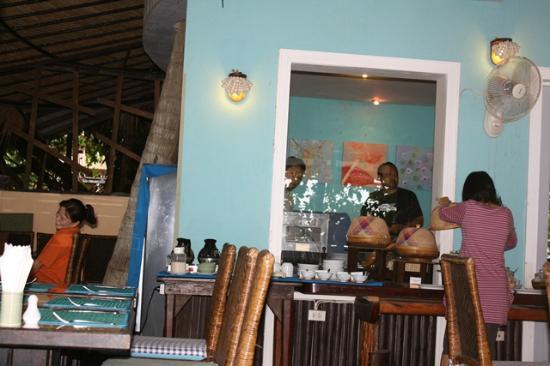 Phra Nang Inn : breakfast area