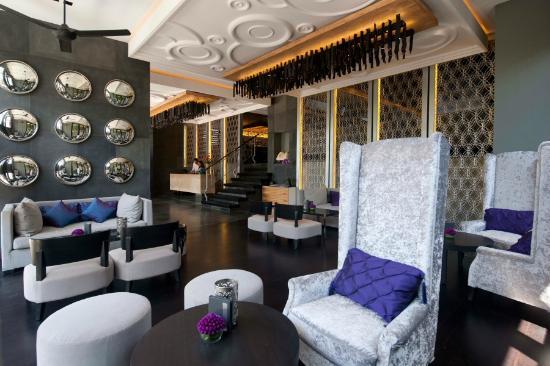 L Hotel Seminyak: Lobby Lounge