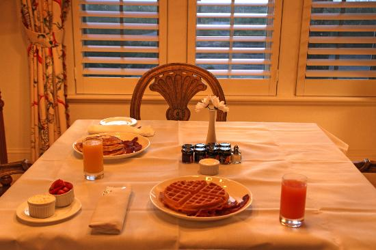 The Cloister at Sea Island: Room service breakfast