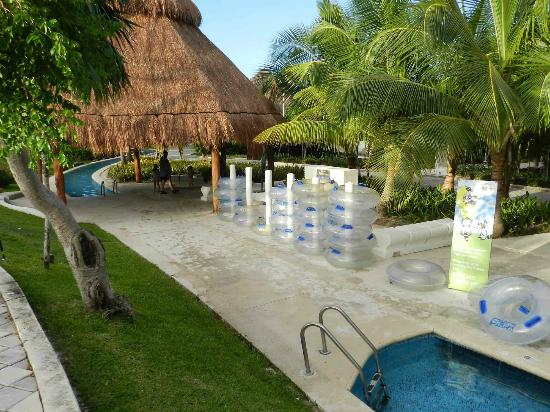 Grand Sirenis Mayan Beach Resort & Spa: lazy river platform