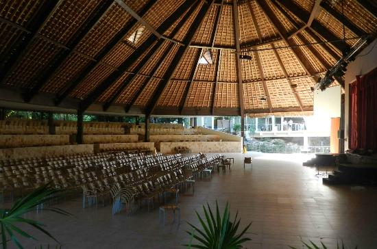 Grand Sirenis Riviera Maya Resort & Spa: theatre