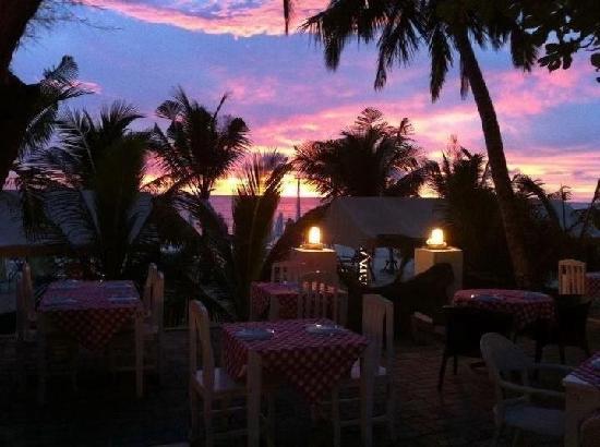 Cefalu Restaurant: Cefalu' at Surin beach