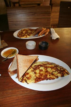 Little Tree Cafe: Breakfast - Omelette
