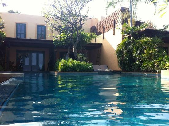 Aleenta Hua Hin Resort & Spa: the swimming pool adjacent to my hotel room