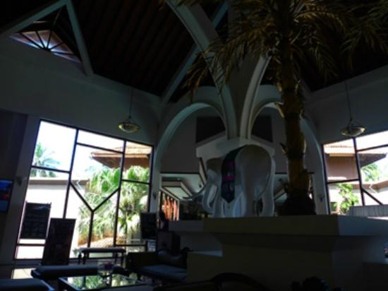 Royal Palms Beach Hotel: Reception