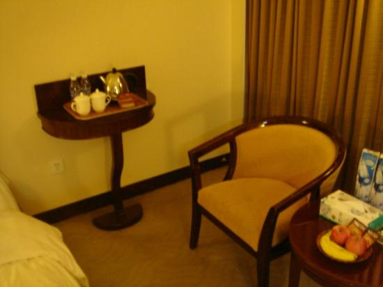 Overseas Chinese Friendship Hotel: complimentary bottled water and bags of jasmine tea