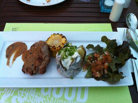 ibis Samui Bophut: BBQ Buffet am Samstag