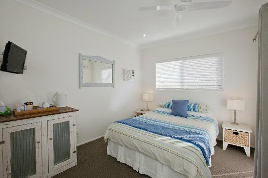 Mt. Coolum Retreat 'A Bed & Breakfast': Ocean Room