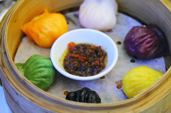 Mouth Restaurant: 6 Colours 'Har Gao' w X.O. Sauce
