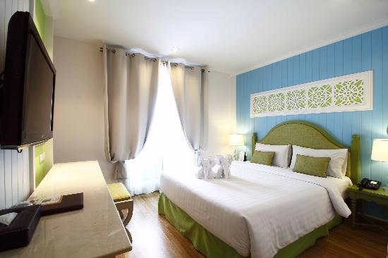 Salil Hotel Sukhumvit Soi 8: Superior room vintage color