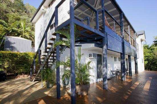 Mt. Coolum Retreat 'A Bed & Breakfast' : Guest deck and outdoor area