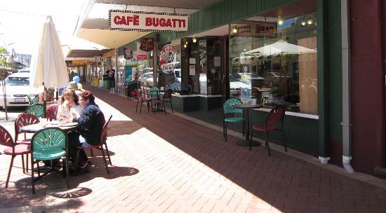 Cafe Bugatti York