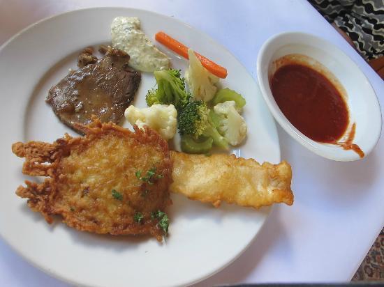 Cuckoo Restaurant: fried fish cake and some brocolli