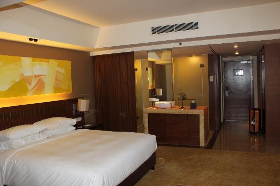 Hyatt Regency Kinabalu: room