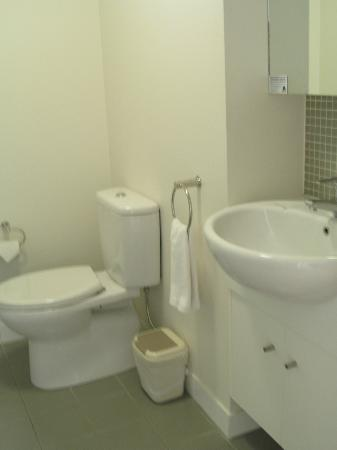 Quest Spring Hill Serviced Apartments: Ensuite