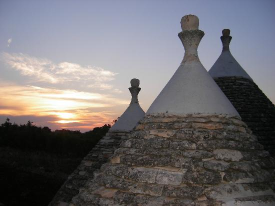 Bed and breakfast Trulli sotto LA CUPA : trulli al tramonto