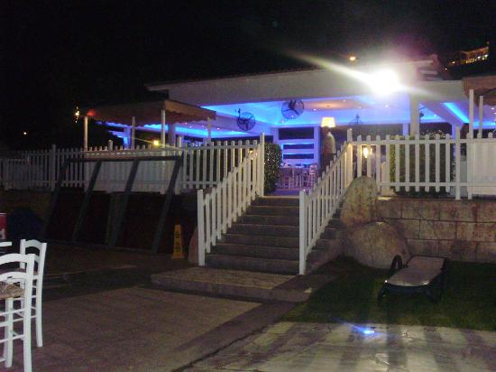 Atlantica Bay Hotel: Beach bar