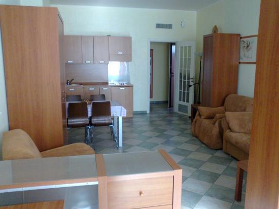2Gi Residence Ajraghi : soggiorno molto ampio