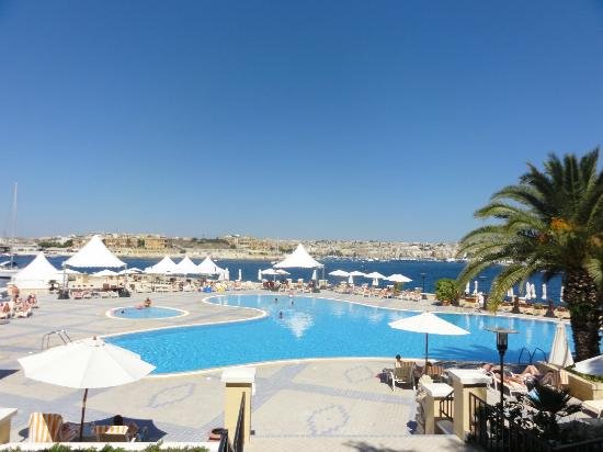 Excelsior Grand Hotel: swimming pool