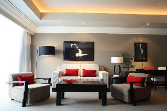 Southern Sun Silverstar Hotel: Luxury Suite Lounge