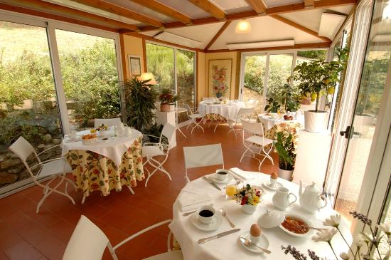 Marignolle Relais & Charme: Our gazebo at breakfast