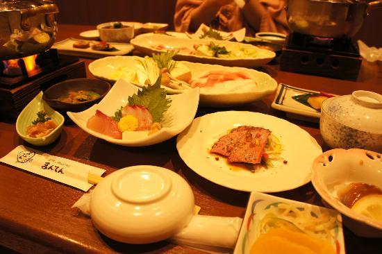 Jomon no Yado Manten : 夕食、個室でゆっくり食べれます。