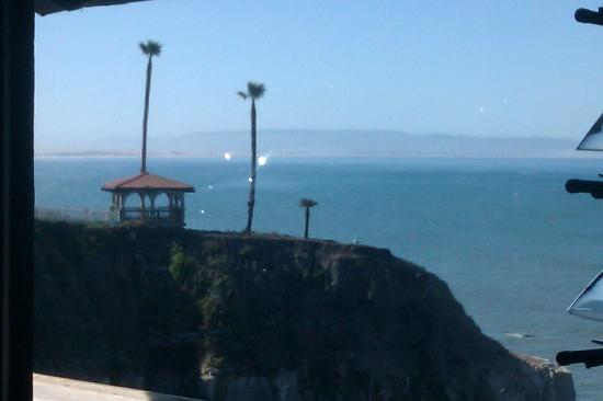 BEST WESTERN PLUS Shore Cliff Lodge: View from breakfast and the Ventana Grill