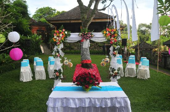 Tirta Ayu Hotel & Restaurant: BLESSING CEREMONY DECORATION