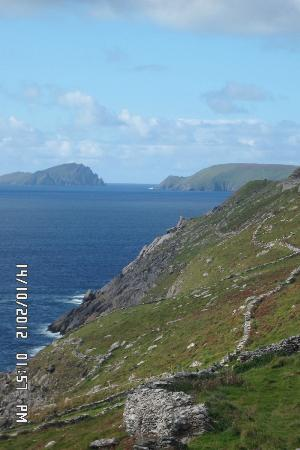 The Dingle Peninsula: Dingle :)