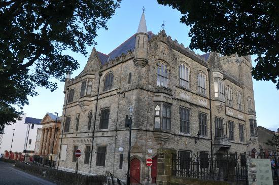 Place Architecture Tours: Apprentice Boys Memorial Hall