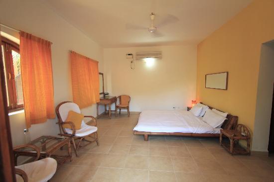 Silk Cotton Resort: The spacious & clean room