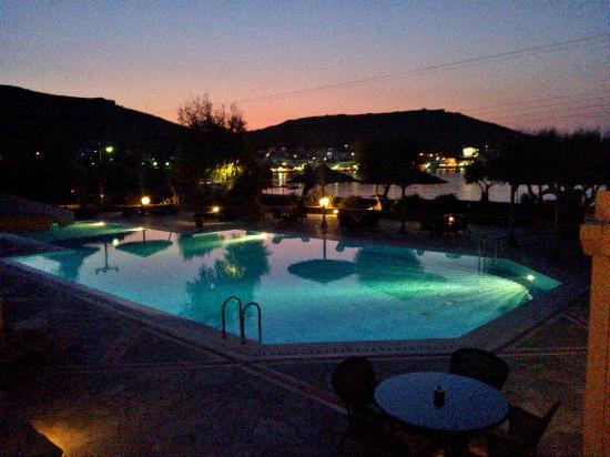 The Porto Kea Suites Hotel: Sunset