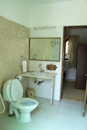 Silk Cotton Resort: The clean Washrooms