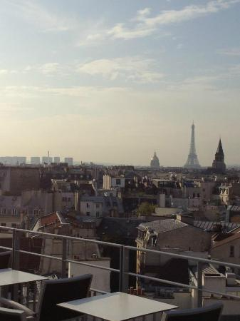 Holiday Inn Paris - Notre Dame: Hotel roof top terrace