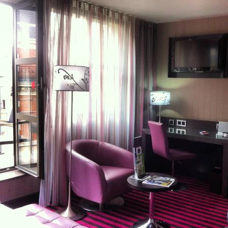 Holiday Inn Paris - Notre Dame: Room 606
