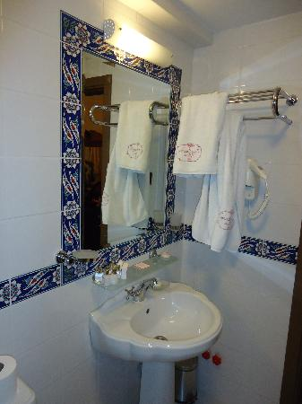 Garden House Istanbul: Room 302 - bathroom