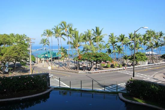 The Beach Villas at Kahalu'u: View from Lanai 1-202