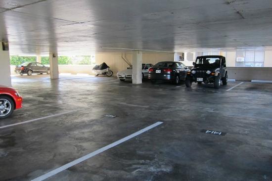 Fairway Villa: Easy Parking 1410 