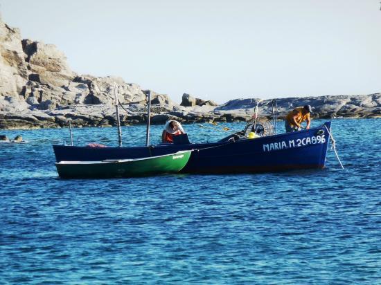 Pescatori a Cala Sapone