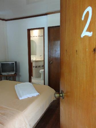 El Galleon Beach Resort & Hotel: Room 2