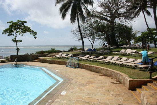 Baobab Beach Resort & Spa:                                     The Boabab Pool