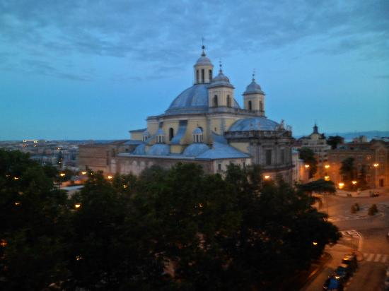 HRC Hotel: Gorgeous view of the basilica